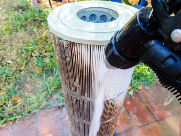 How to clean the pool filters